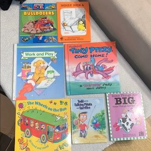 Bundle of 7 baby beginner books